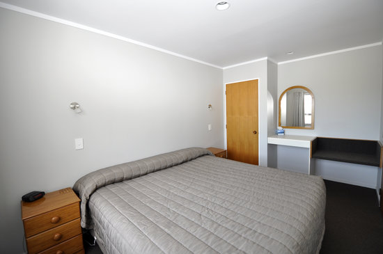 Knightsbridge Court Motor Lodge: One bedroom, King Suite
