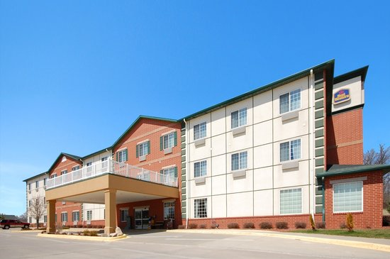 Photo of BEST WESTERN PLUS Des Moines West Inn and Suites Clive