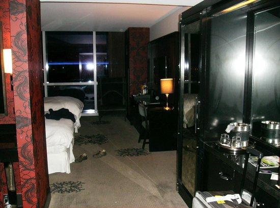 Hard Rock Hotel and Casino: First room looking in from door...pleasant decor.