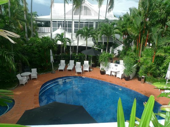 The Hotel Cairns :                   Looking towards the east and dining room