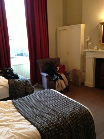 Lime Tree Hotel: Our room -sorry it was messy we were packing ;)