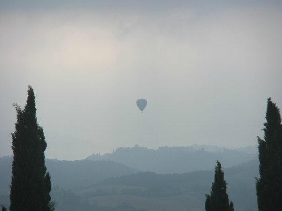 Agriturismo Il Castagnolino:                   ballooning