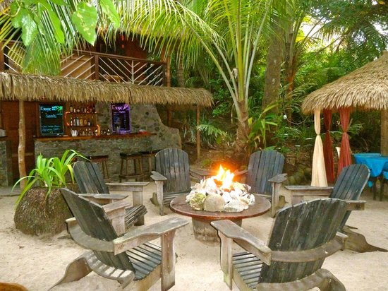 escape beach bar and grill in dominica
