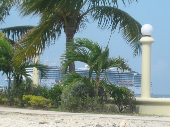 Moon Palace Jamaica Grande:                   a view from the north beach