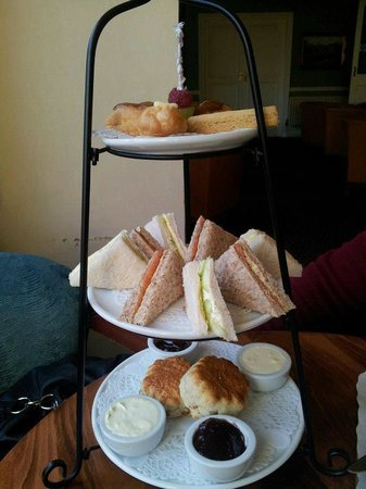 Hinton Firs Hotel:                   Afternoon Tea