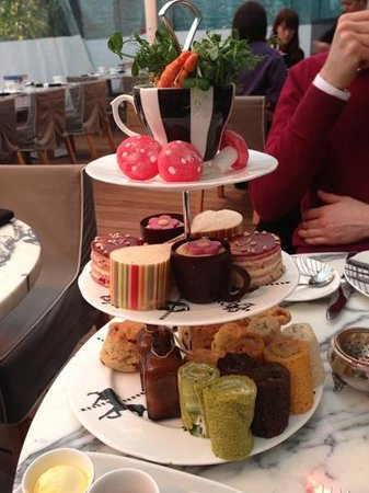 Sanderson Hotel London:                   afternoon tea