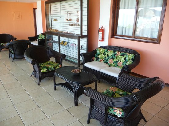 BEST WESTERN Paradise Inn & Spa:                   The sitting area right outside our room.