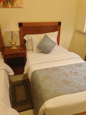 Savoy Park Hotel:                   Sleeping room
