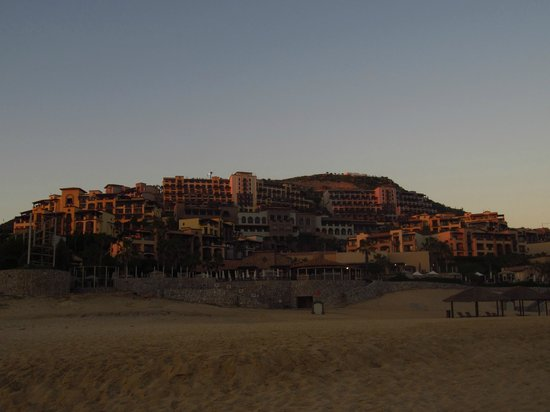 Pueblo Bonito Sunset Beach:                   The property at night