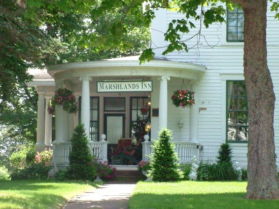 Marshlands Inn
