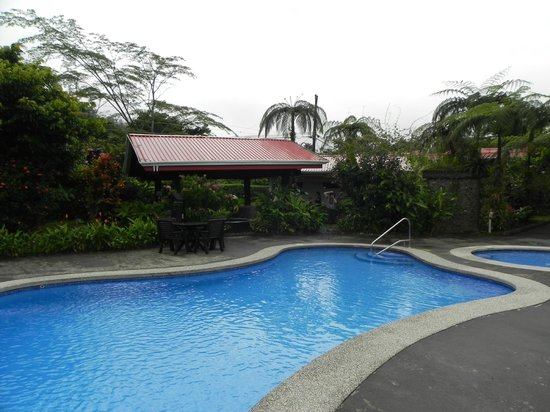 Volcano Lodge & Gardens:                   Pool