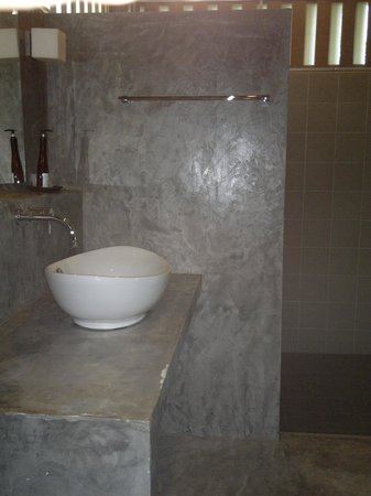 Villa Phra Chan Resort:                                     Clean bathroom, hot water