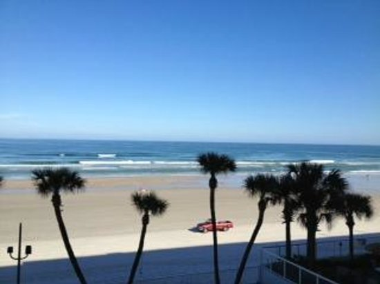 Daytona Seabreeze:                   Here&#39;s the view from our 3rd floor room.