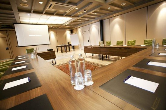 Made, Belanda: Meeting Room
