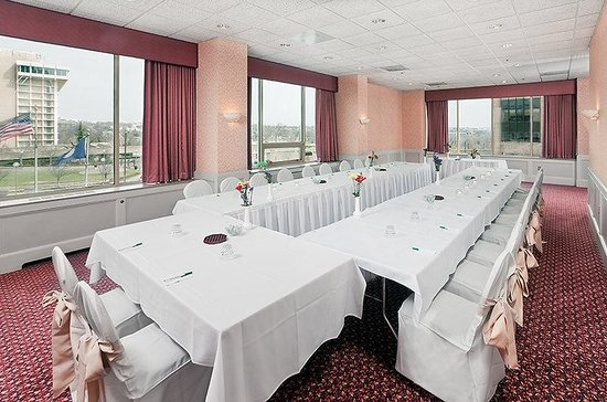 Holiday Inn Rosslyn @ Key Bridge: Meeting Room-Georgetown Room