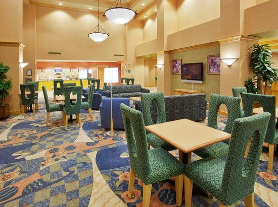 Holiday Inn Express Sacramento Airport Natomas: Sacramento Airport Hotel Breakfast Area