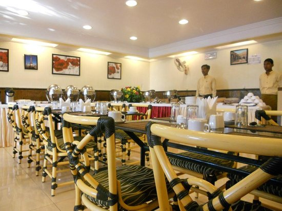 Hotel Shreyas: shreyas dining hall