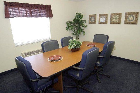 Candlewood Suites Newport News: Meeting Room