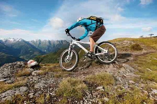 Sport- & Wellnesshotel Held: Mountainbiken im Zillertal