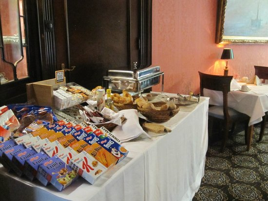 King's Villa Hotel:                   Breakfast
