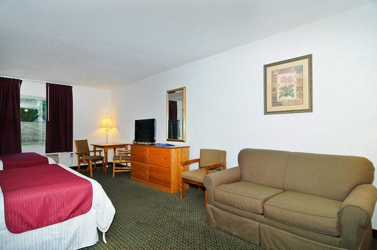 BEST WESTERN Berkeley Springs Inn: Queen Suite