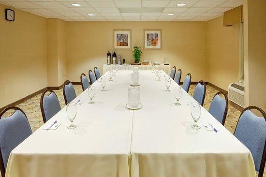 Holiday Inn Express Wilkes Barre East: Meeting Room