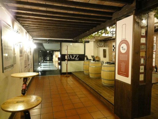 Hotel Gio' Wine e Jazz Area:                   Salón