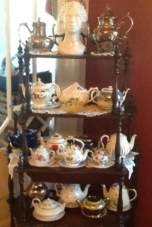 Black Walnut Bed and Breakfast Inn:                   Tea set collection, overseen by Her Majesty