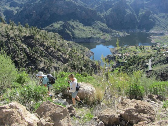 FunAction Sports and Adventure:                   Hiking with Fun Action to the Soria lakes area