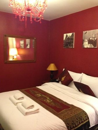 Khaosan Palace Hotel:                   deluxe room on our second stay