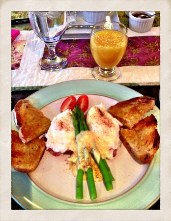The Stella Rose B&B:                   Scrumptious eggs Benedict, with perfectly poached eggs, shredded potato and bu