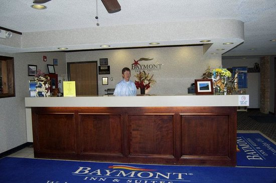 Baymont Inn Cambridge: Baymont Lobby