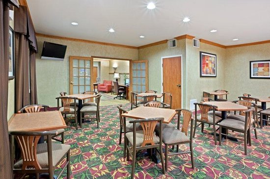 Holiday Inn Express Medford: Breakfast Area