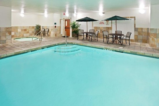 Holiday Inn Express Medford: Swimming Pool