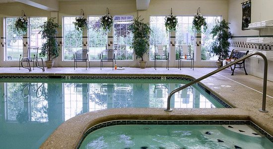 Holiday Inn Express Anchorage: Swimming Pool