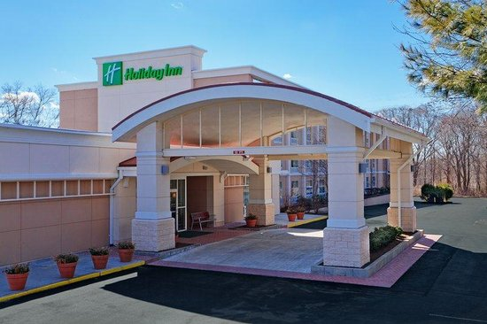 Holiday Inn South Kingstown: Hotel Exterior