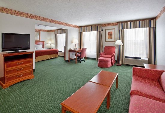 Holiday Inn Express Batesville: Presidential Suite