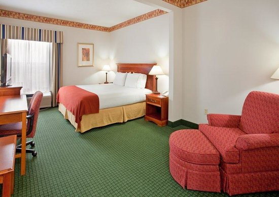 Holiday Inn Express Batesville: Single Bed Guest Room