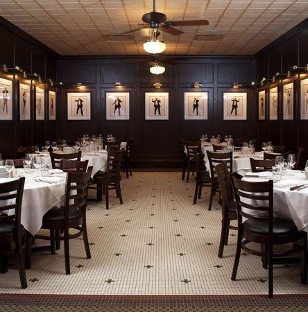 Rosemont, IL: Book Harry Caray's Private Dining Room for your next event!