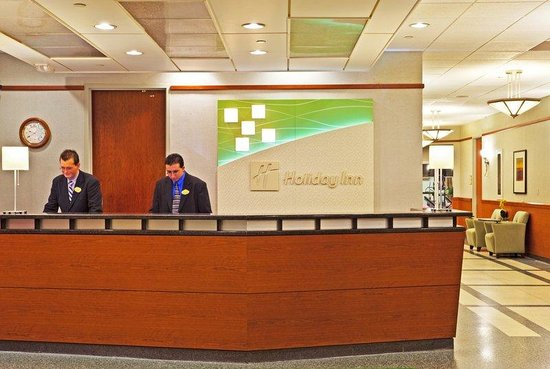 Rosemont, IL: Our Front Desk staff provides outstanding guest service
