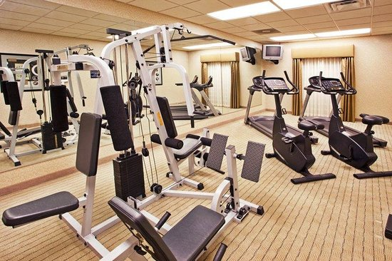 Holiday Inn Express &amp; Suites: Fitness Center