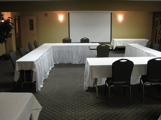 Holiday Inn Express Absecon - Atlantic City Area: Have multiple meetings, at the same time!