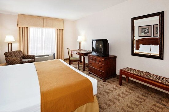 Holiday Inn Express Boone: King Bed Guest Room