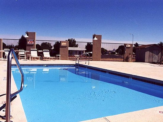 Holiday Inn Express Page-Lake Powell: Pool View