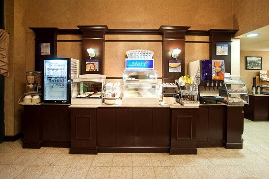 Holiday Inn Express &amp; Suites Austin - Sunset Valley: Breakfast Bar
