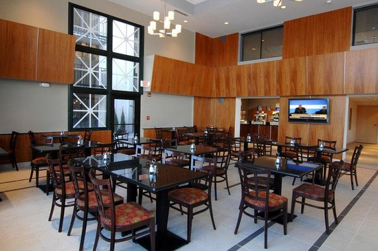 Rolling Meadows, IL: Breakfast Area - hotel near IKEA