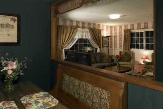 Sandlake Country Inn: Cottage