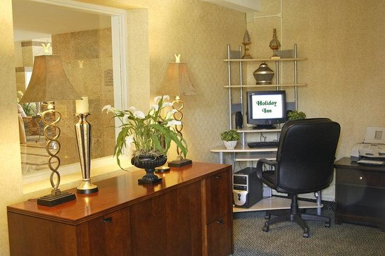 Holiday Inn Hazlet: Business Center