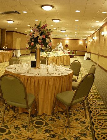 Holiday Inn Hazlet: Plan an event up to 300 people