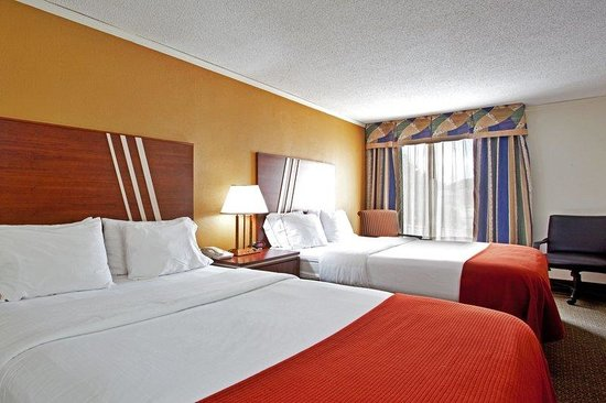 Holiday Inn Express Roanoke-Civic Center: New Pillowtop mattresses